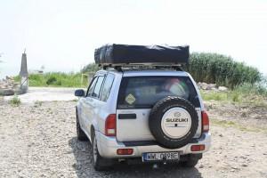 Suzuki Vitara z namiotem Dachowym Wildcamp